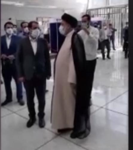 حضور آیت الله رییسی درتالار بورس تهران+فیلم